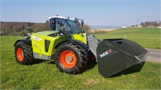 CLAAS SCORPION 736